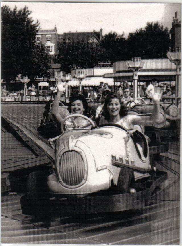 1960, Aug, Laminated picture ladies on Brookland Racers